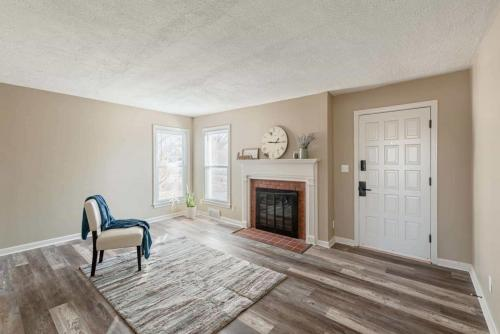Family Room - Lowell Drive
